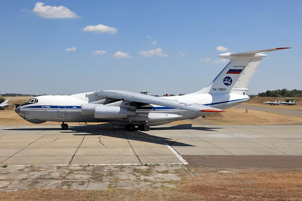Begleitflugzeug, IL-76 der 224th Flight Unit aus Chkalovskaja bei Moskau.