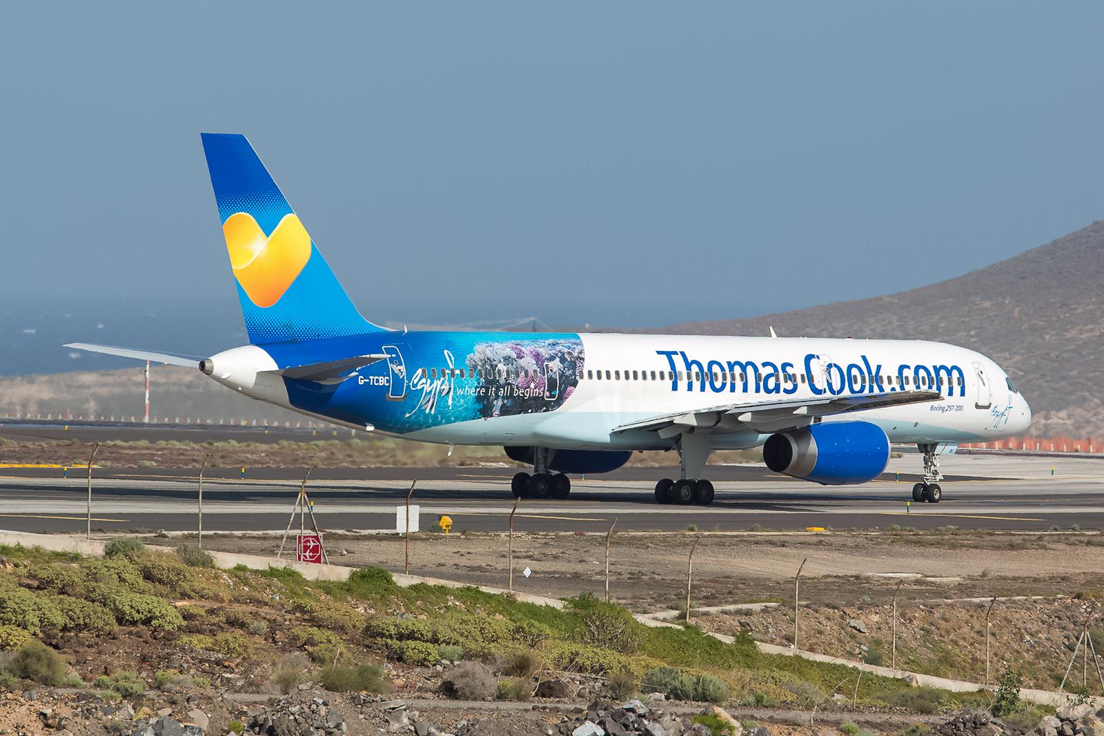 Thomas Cook hat neben der o.g. A321 noch eine Boeing 757-200 mit Werbung für die ägyptischen Ferienziele versehen.