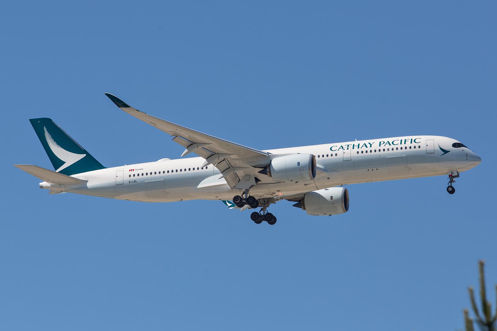 Cathay Pacific nutzt auf dem Kurs nach Paris ihre brandneuen Airbussa A 350XWB.