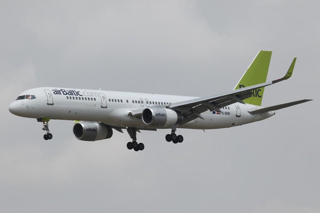 Air Baltic betreibt zwei Boeing 757-200, die beide vorher bei Iberia im Dienst standen.