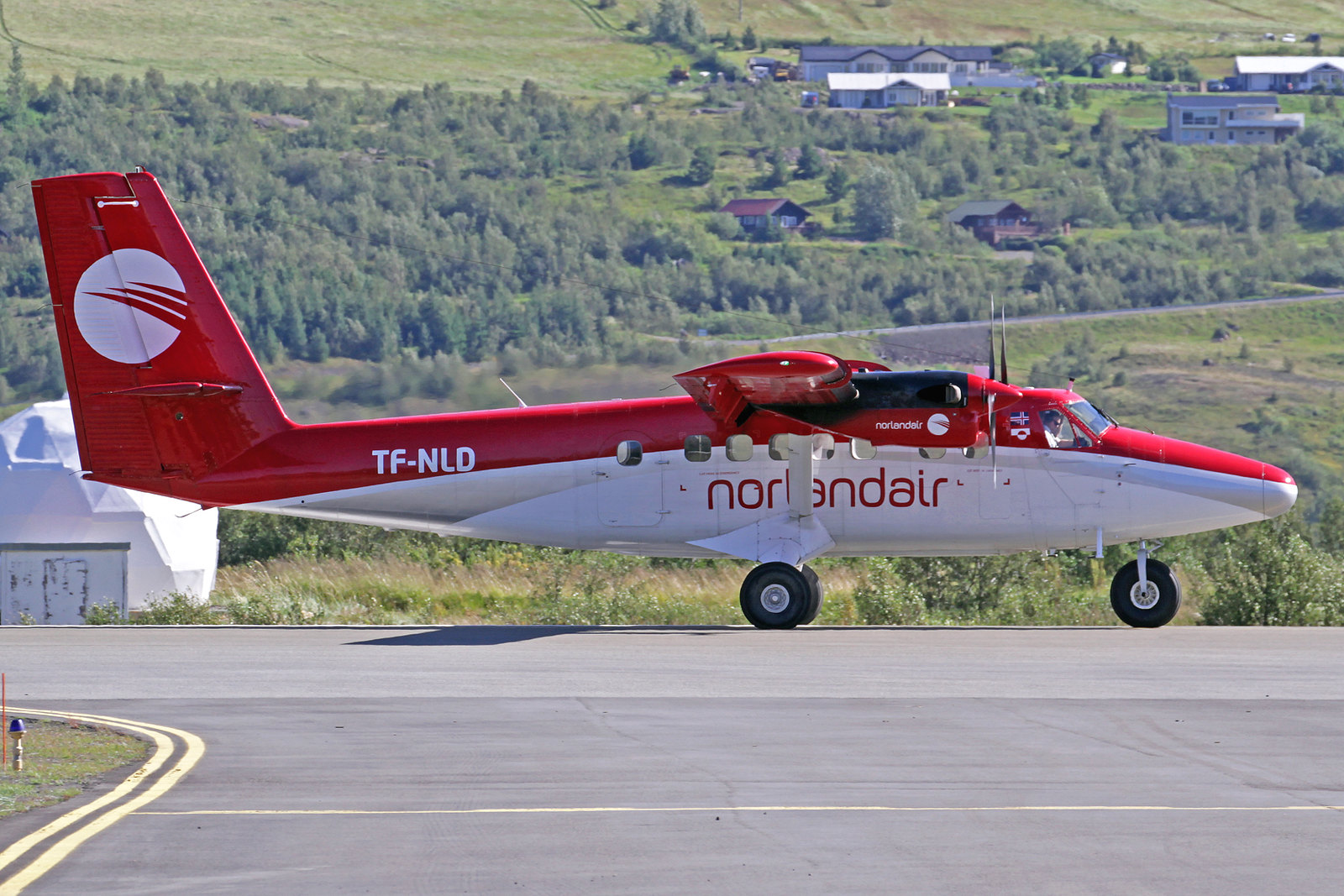 Norlandair DeHavilland DHC-6-300 Twin Otter TF-NLD, AEY, 14. August 2020