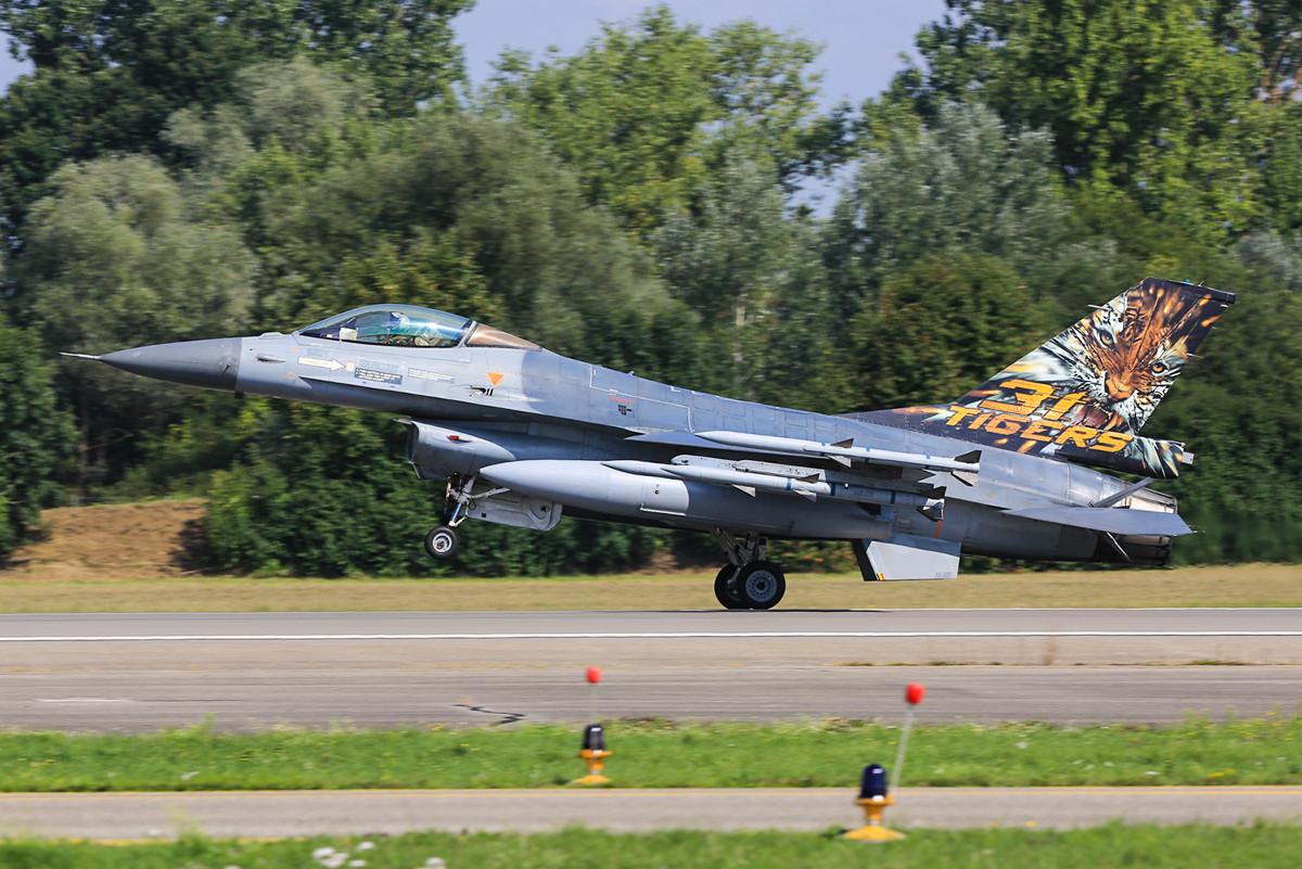 Der belgische Tiger 2013 aus Kleine Brogel, die FA106 eine F-16 MLU.