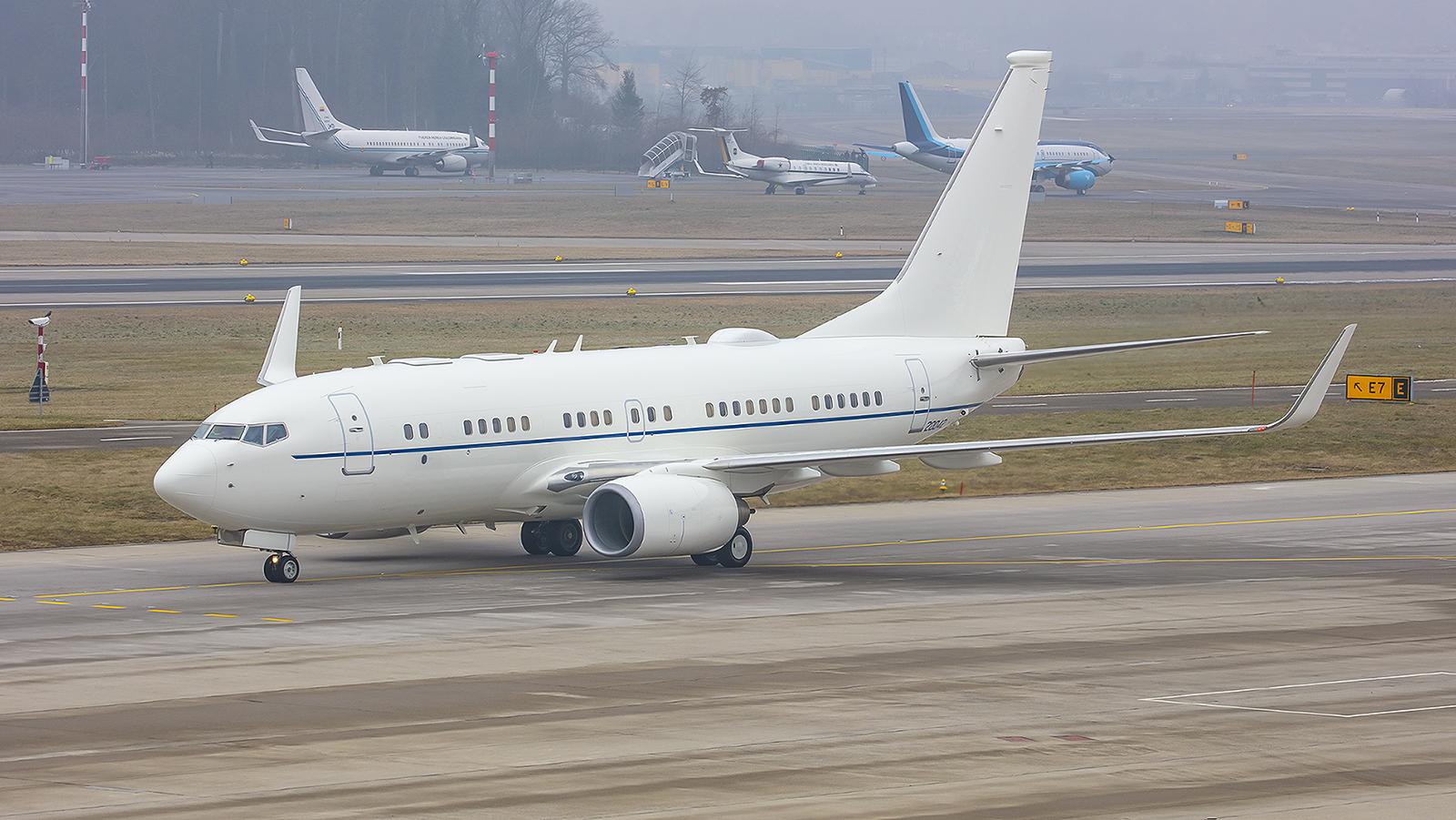 02-0042, Boeing C-40B der USAFE.