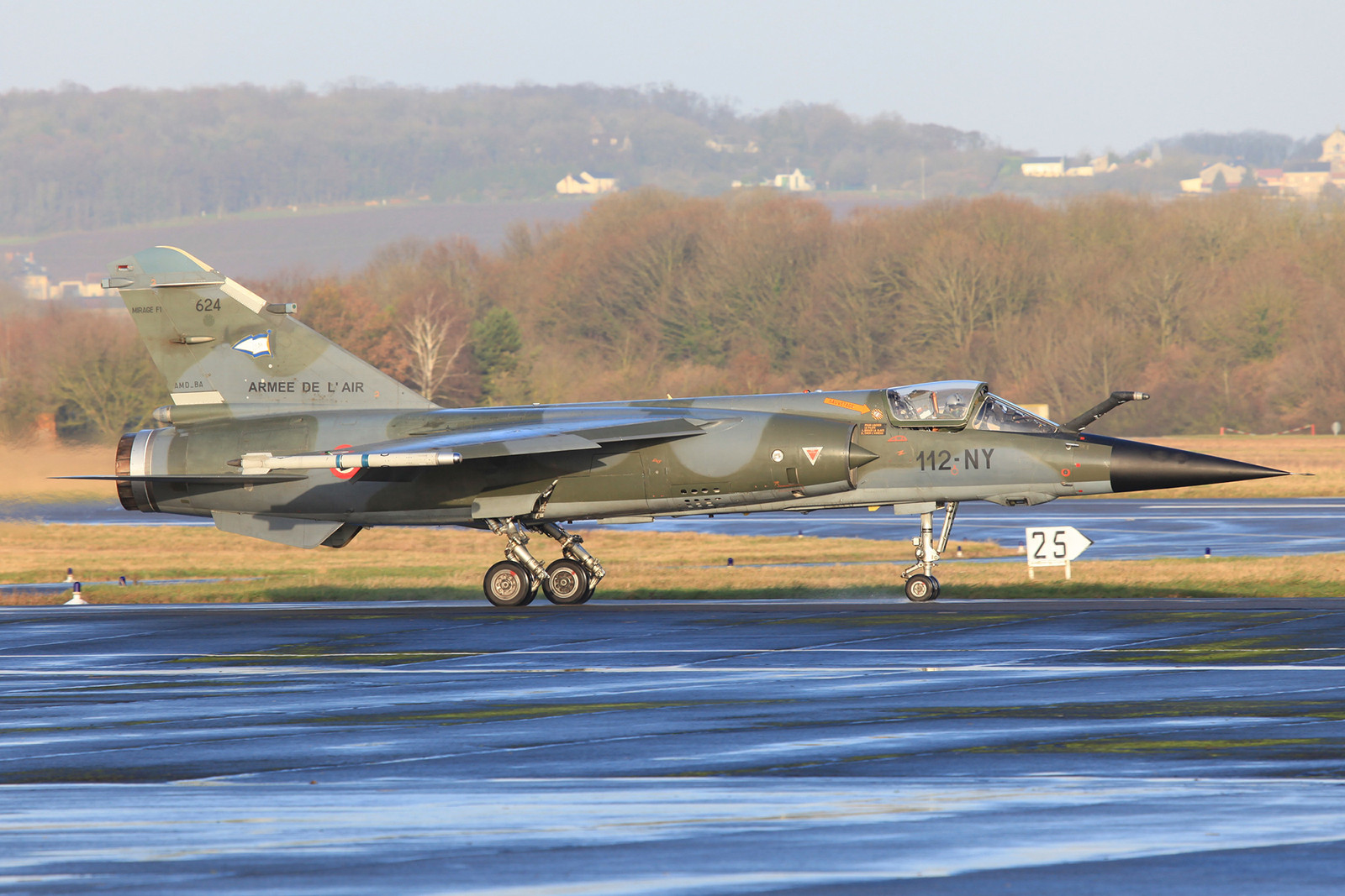 "Eine Mirage F-1CR der ""Belfort"" morgens in Reims"