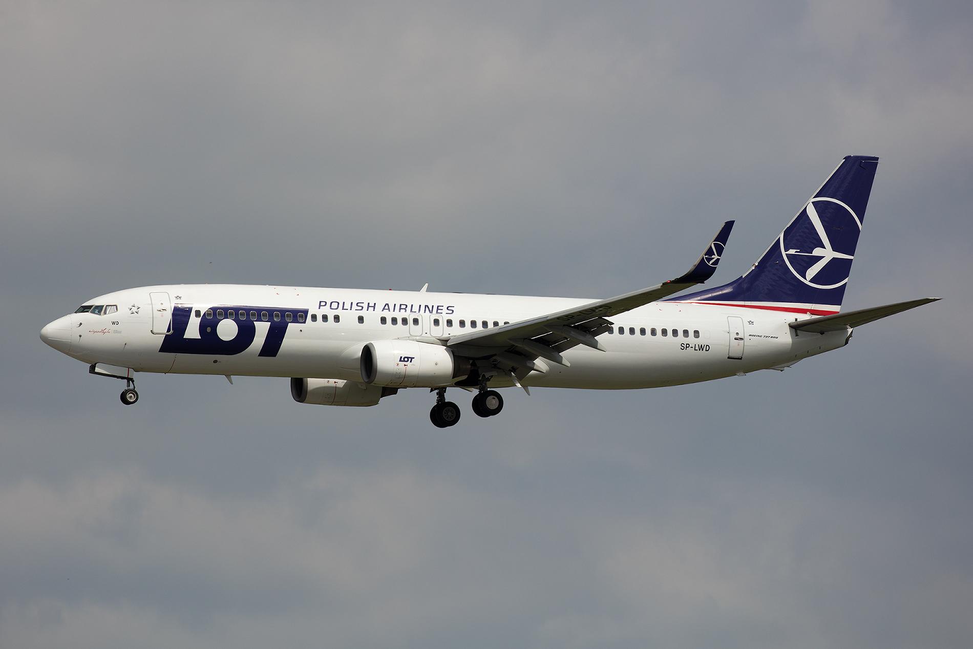 Insgesamt vier Boeing 737-89P kamen von China Southern via Aercap zur LOT.