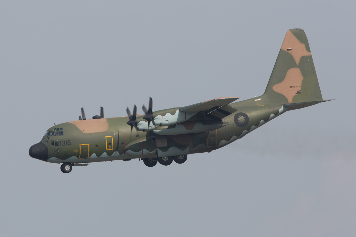 C-130 der 10th TAG aus Pingtung-South.
