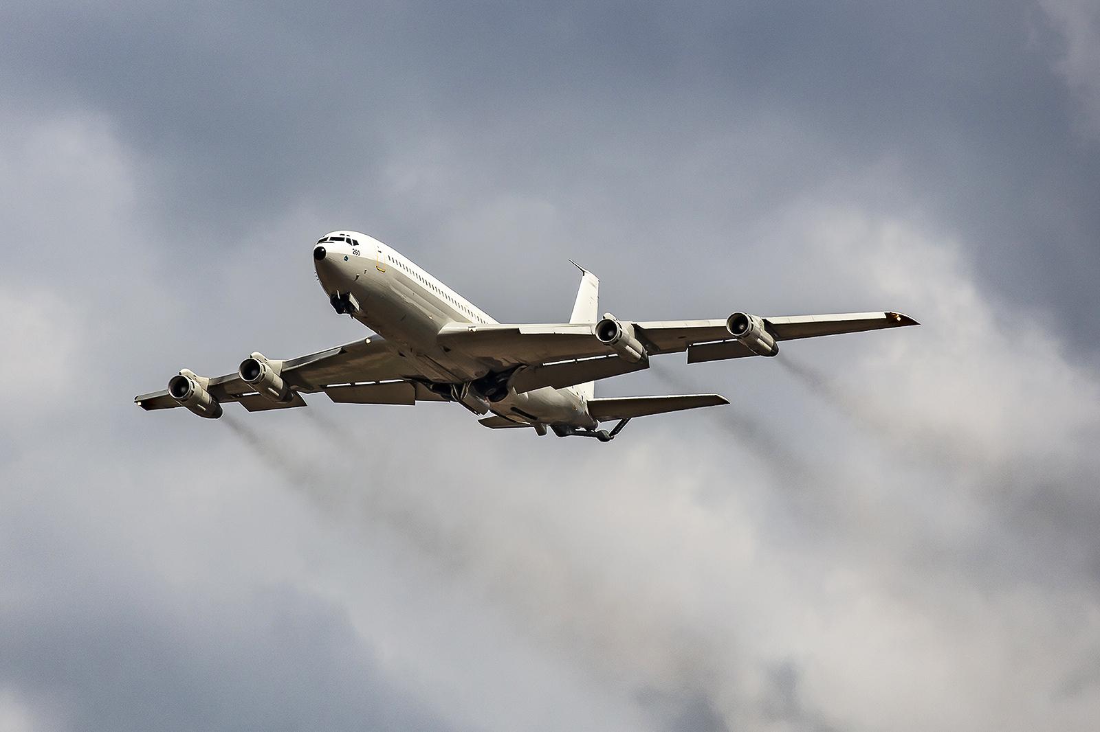 Noch eine kleine Extrarunde mit der Boeing 707 Re´em.