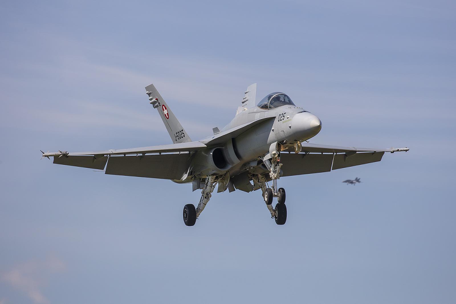 Acht Hornets wurden für die Trainingsflüge von Meiringen und Payerne verlegt.