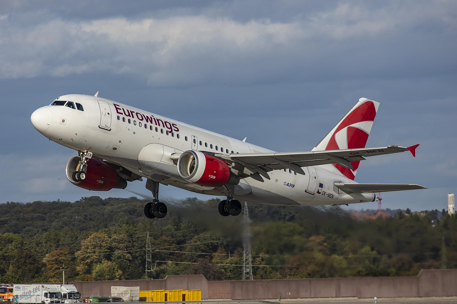 Die OK-NEN ist einer von drei A319 der CSA, die ab Stuttgart im wetlease für Eurowings unterwegs sind.