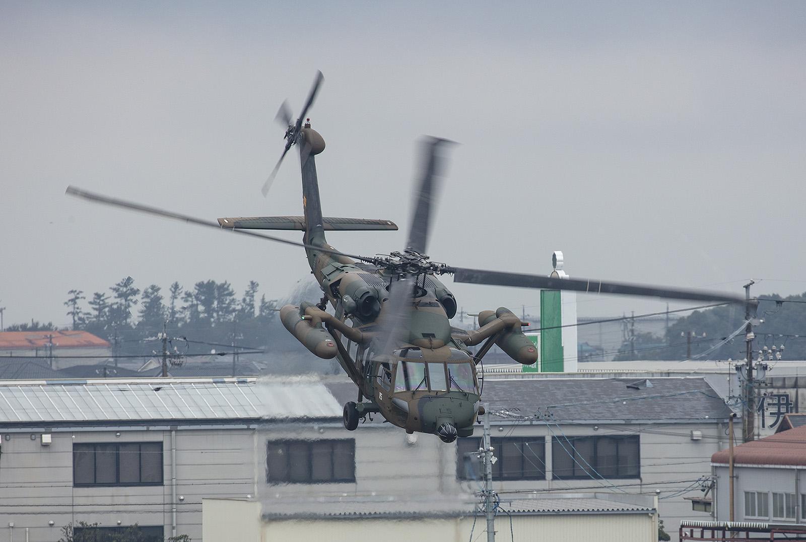 Der Blackhawk ist der ideale Hubschrauber für diese Aufgabe und beweist das immer wieder bei Unglücken und Großschadensereignissen.