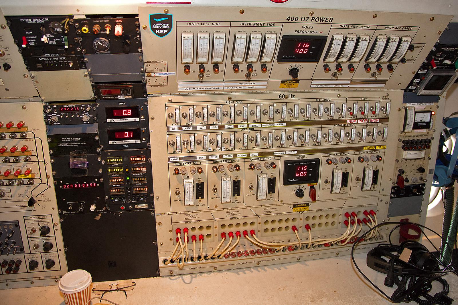 Die Powerstation in der Douglas erinnert eher an eine Telefonzentrale der 1940´er Jahre.