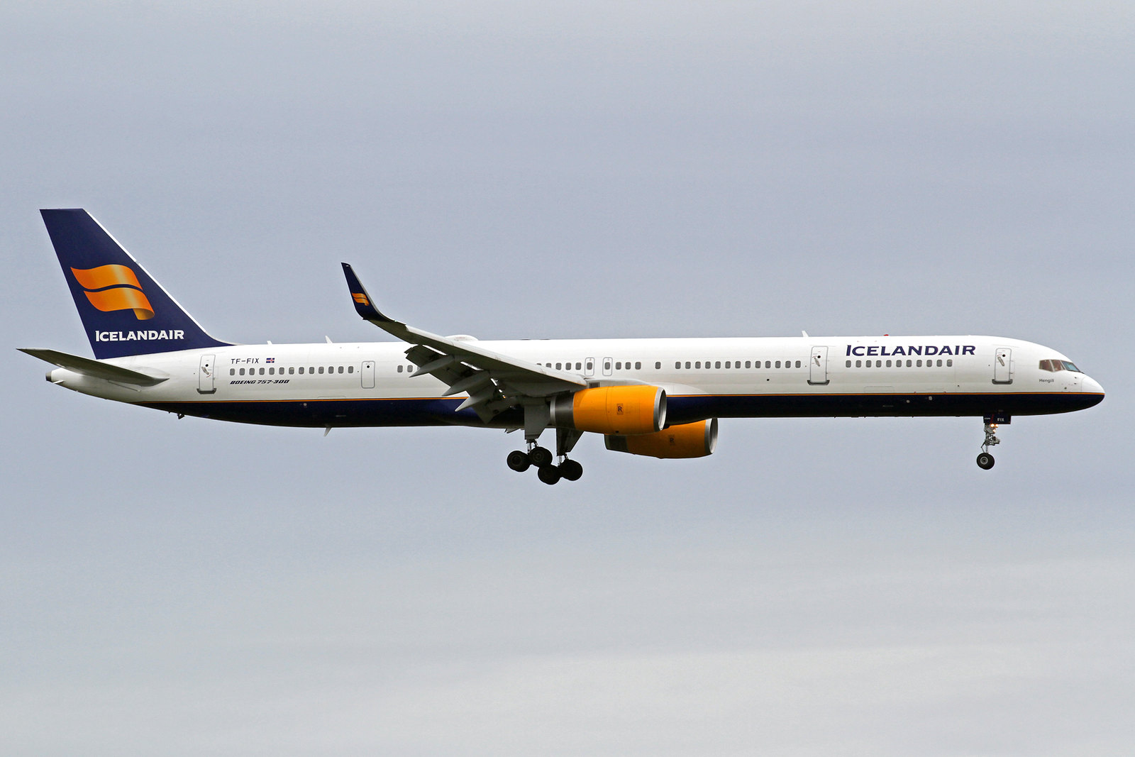 "Icelandair Boeing 757-308 TF-FIX ""Hengill"", KEF, 12. August 2020"