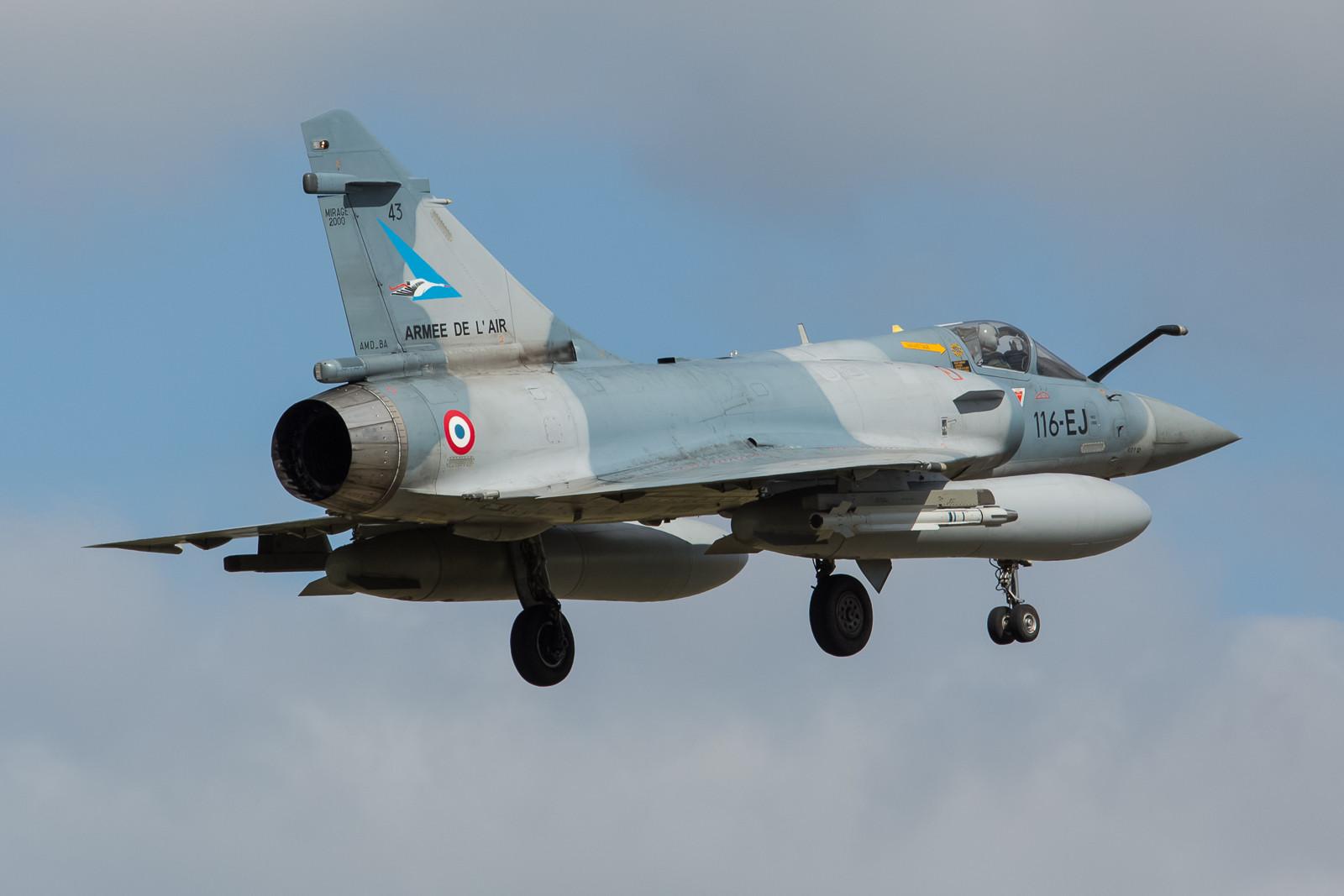 """43, Mirage 2000-5 der SPA 103 der EC 01.002 """"Cigognes"""" aus Luxeuil."""