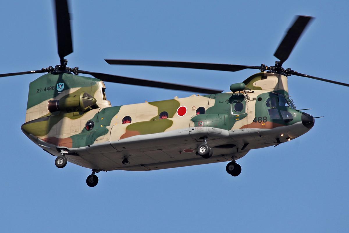 CH-47 der örtlichen Iruma Herikoputa Kuuyutai.