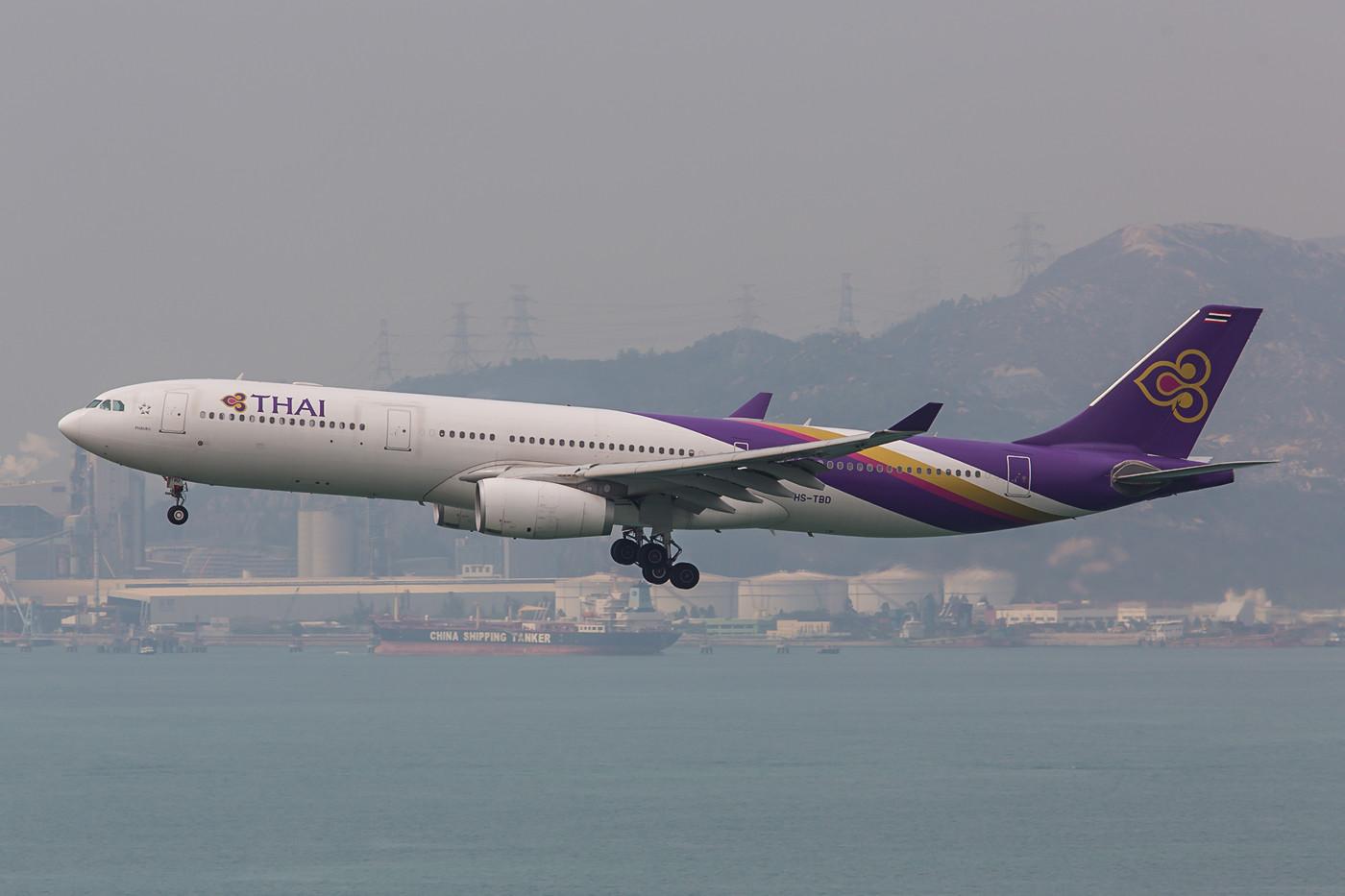 Da man bei Thai Airways ja nichts kleineres hat, fliegt auch auf der Bangkok-Route ein A 330.