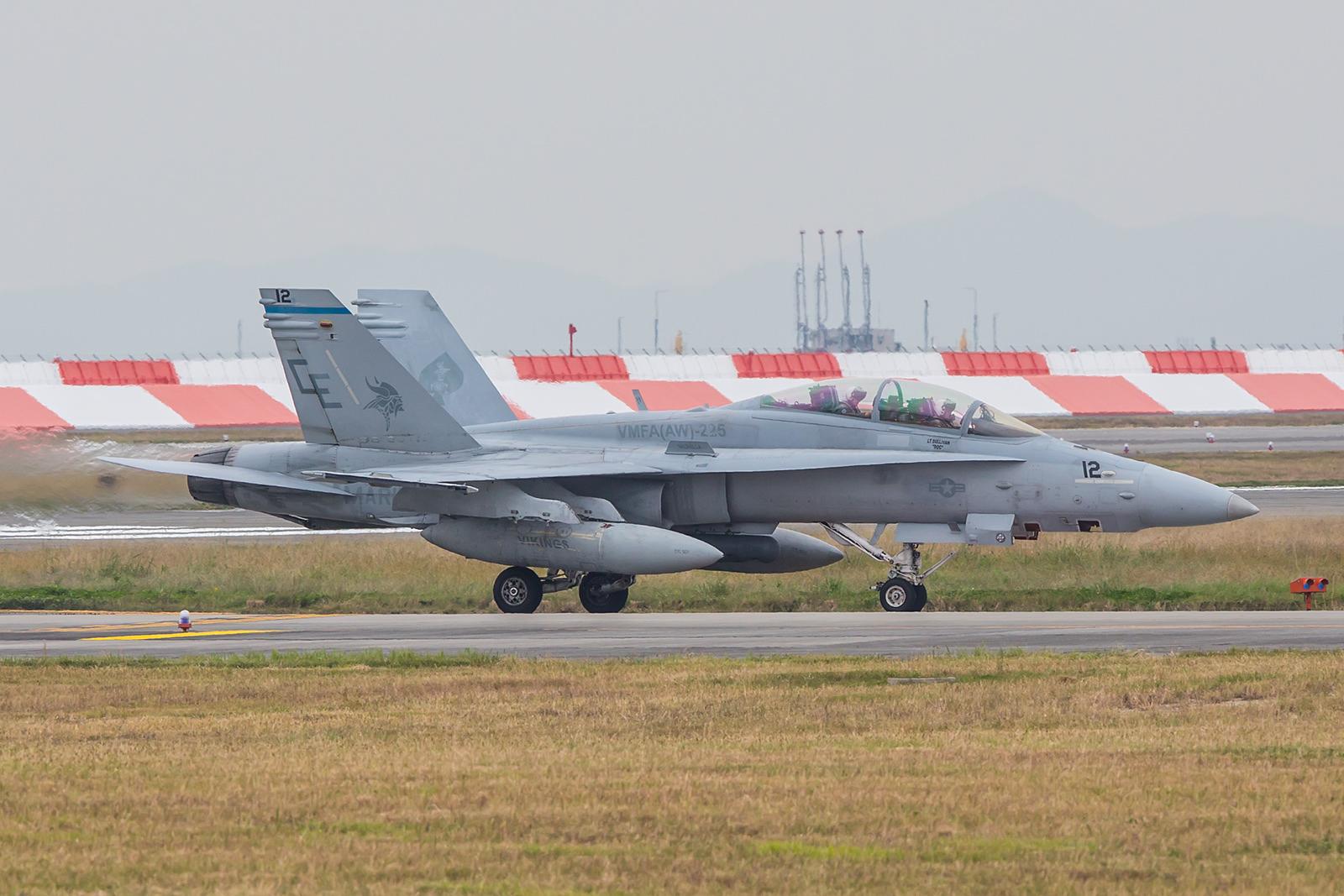 """Zum ersten Mal überhaupt habe ich eien RF-18D gesehen. Die """"Photo-Hornet"""" der VMFA (AW)-225 ist normalerweise auf der MCAS Miramar in Kalifornien zu Hause."""