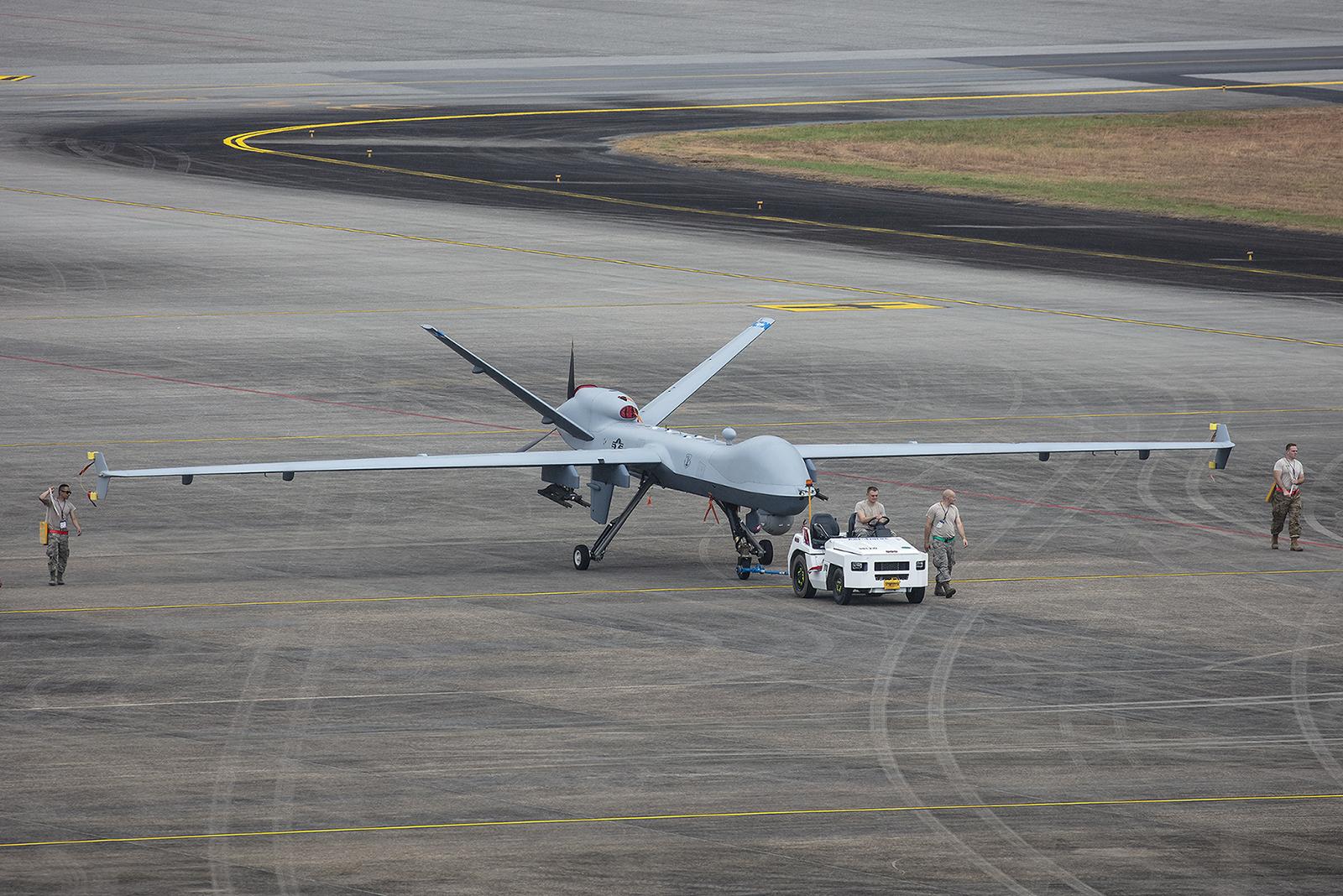 Es gab auch ferngesteuerte Flieger, hier ein MQ-9 Reaper.