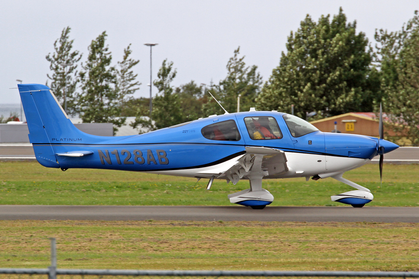 Aircraft Guaranty Corp Trustee Cirrus SR-22T N128AB, RKV, 10. August 2020