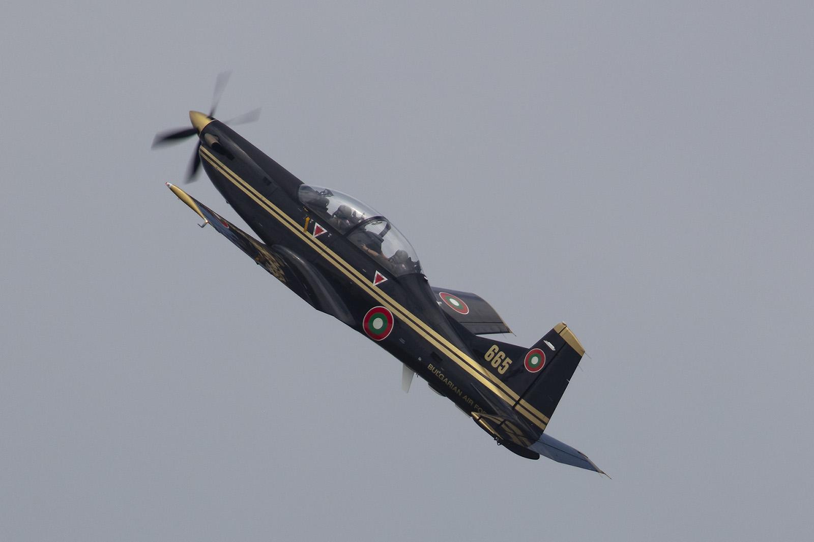 Die PC-9 wird von  vielen Luftwaffen der Welt eingesetzt und eignet sich sehr gut für den Kunstflug.