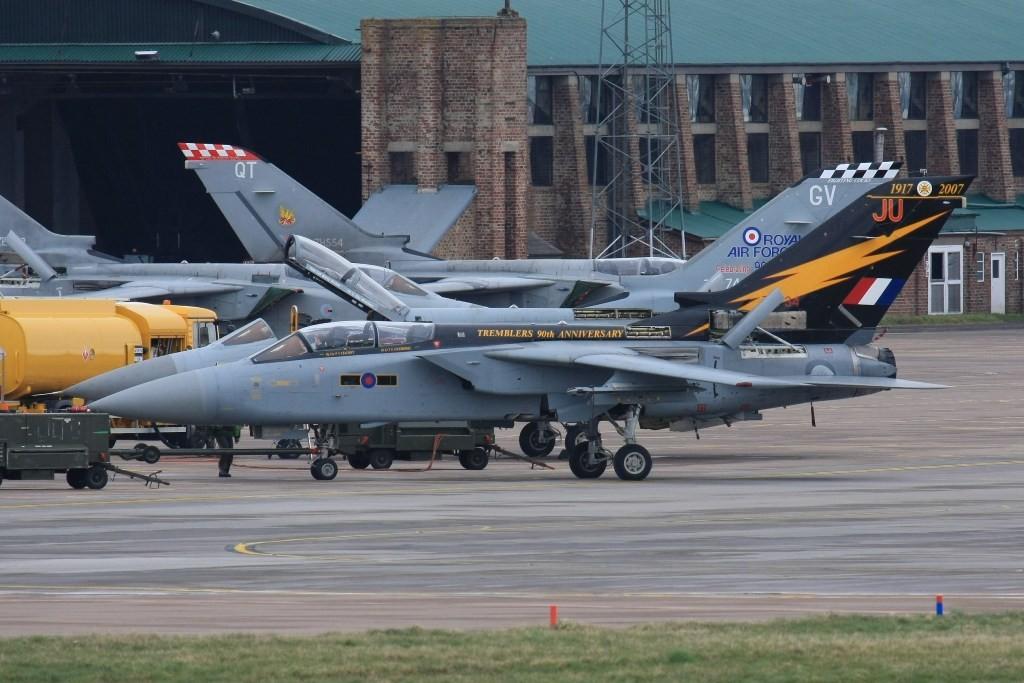 90 Jahre Tremblers auf diesem F-3 der No. 111 Sq in RAF Leuchars