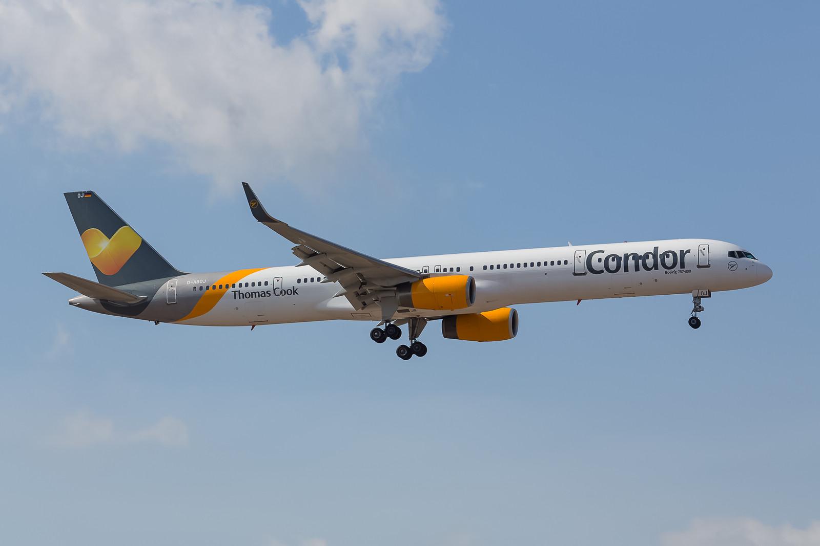 Die D-ABOJ, eine Boeing 757-330 der Condor schon in den neuen Farben der Thomas Cook Group.