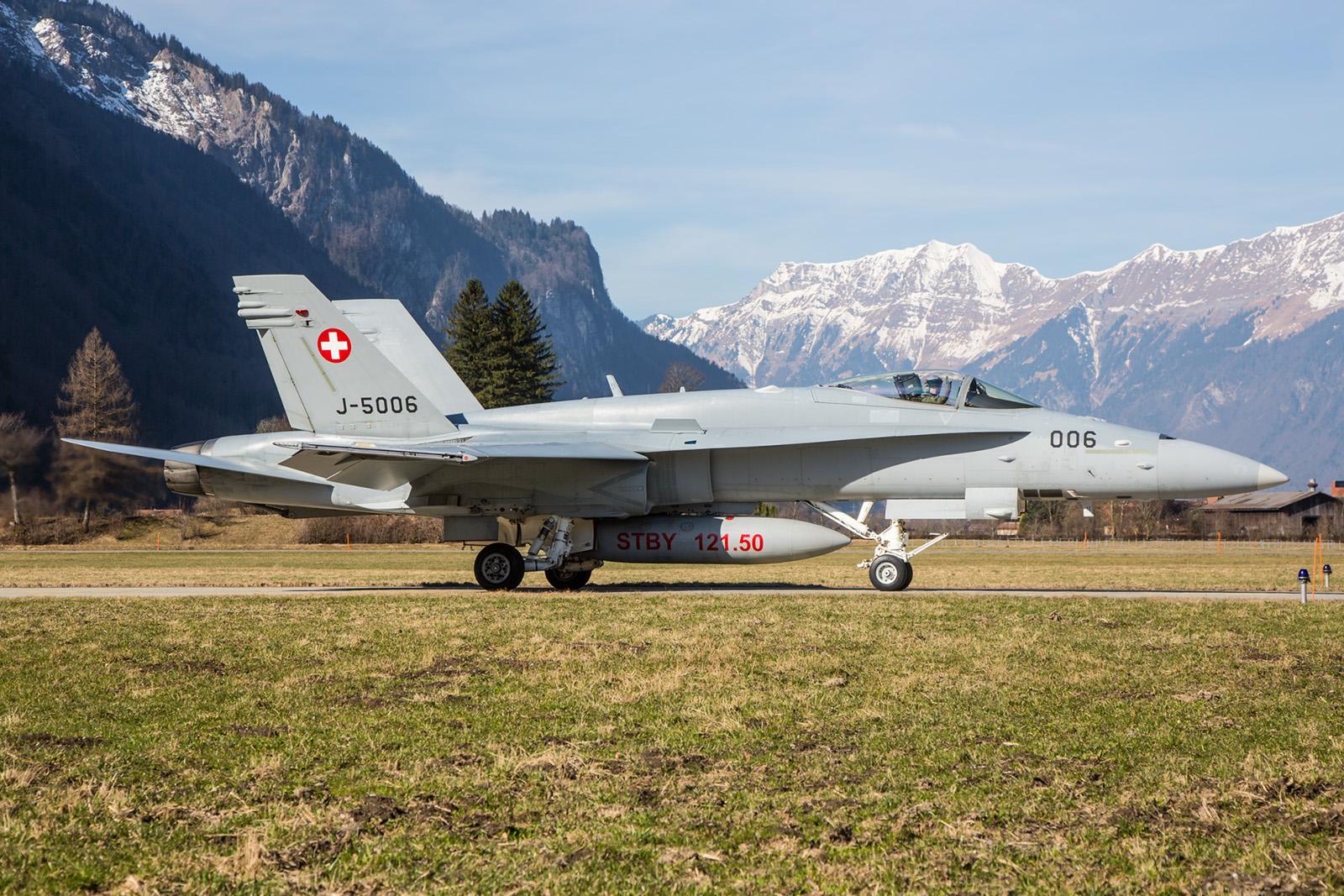 Die Kulisse der Alpen um die flieger herum ist schon atemberaubend.