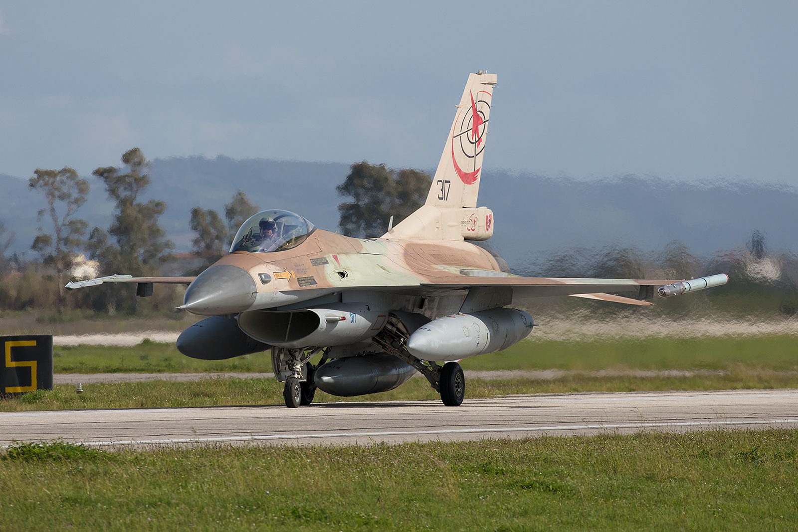 317, General Dynamics F-16C Block 30 der Tayeset 117 aus Ramat David.