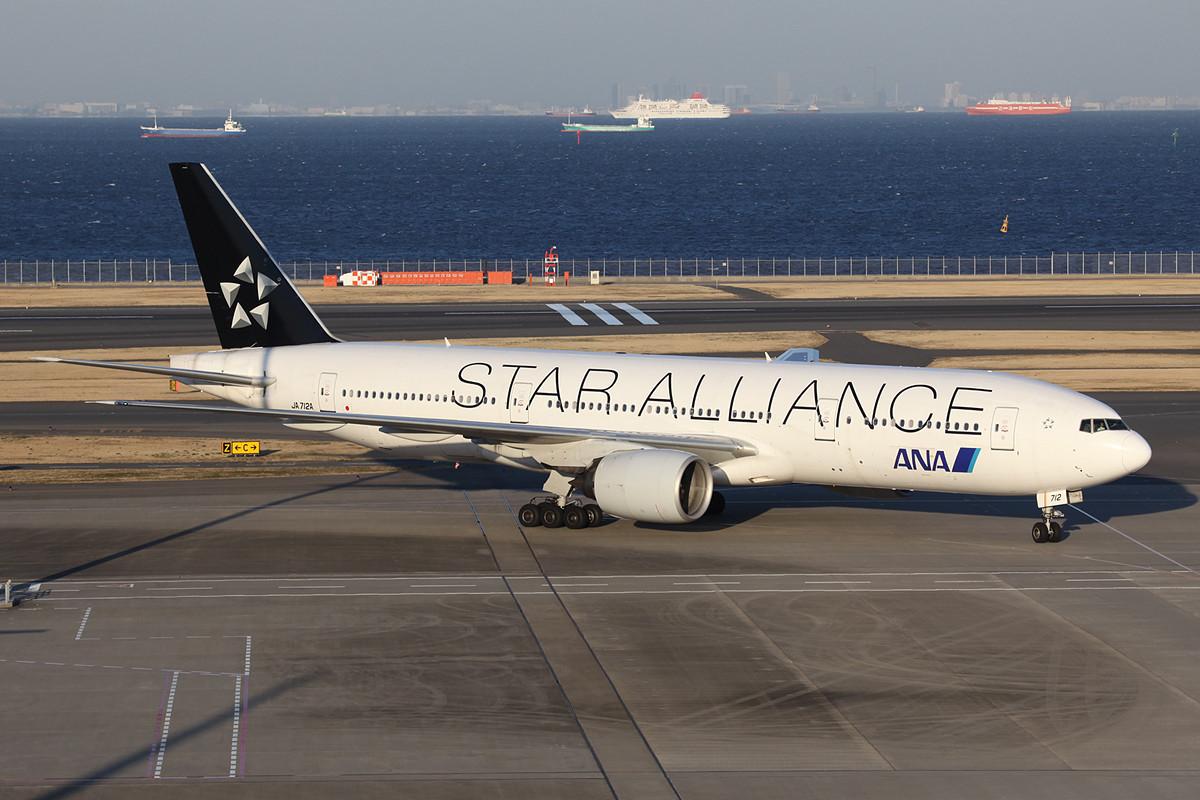 Boeing 777-200 der ANA.