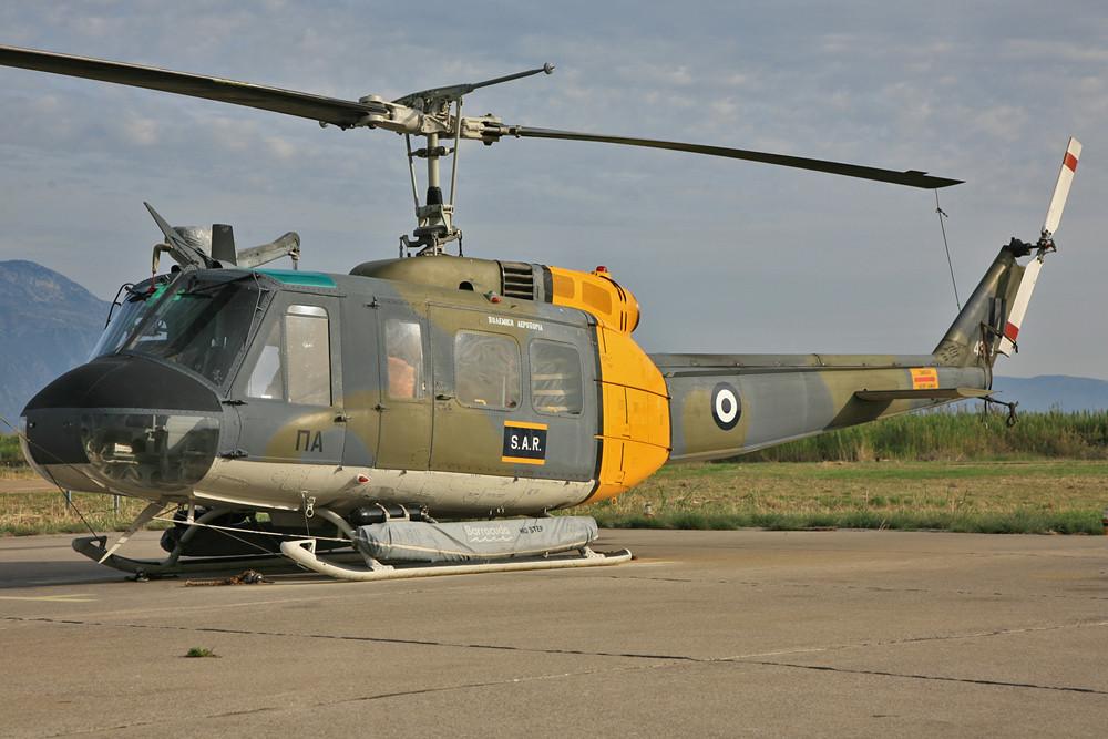 AB-205 für den SAR-Einsatz, die Hubschrauber sind im ganzen Land verteilt.