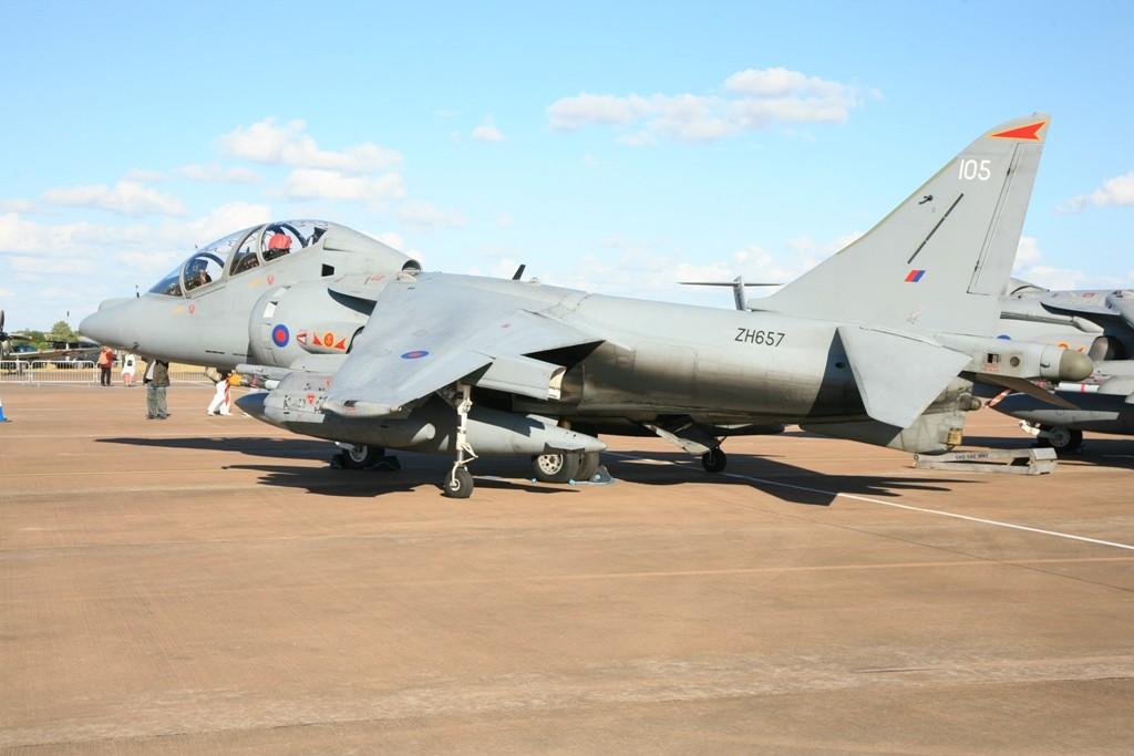 Ein Harrier T.12 Doppelsitzer.