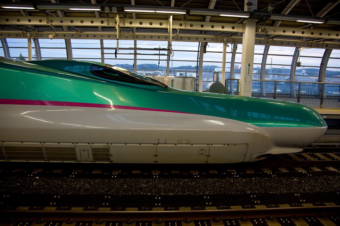 Seitenprofil des E5 in Hachinohe.