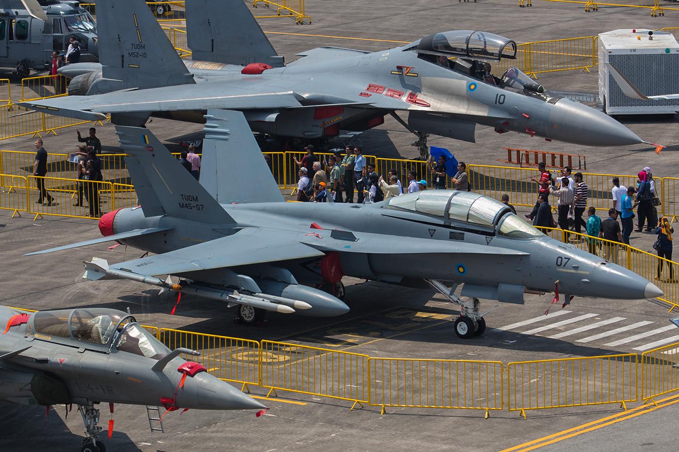 F/A-18D vom Crewtower aus. Am dritten Tag hatten wir das Glück, das Display von dort oben zu verfolgen.