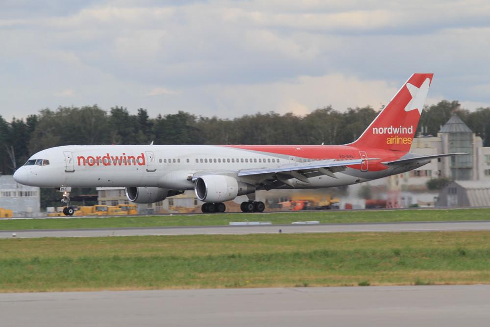 Nordwind Airlines Boeing 757-200, der Ferienflieger startet hauptsächlich von Sheremetjewo aus.