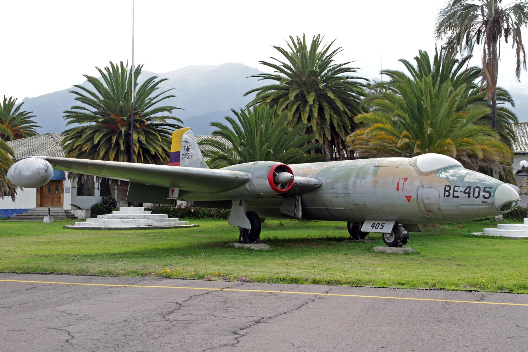 Fuerza Aérea Ecuatoriana BAC Canberra B.6 FAE-71405 - Insgesamt sind drei Flugzeuge dieses Typs hier ausgestellt.