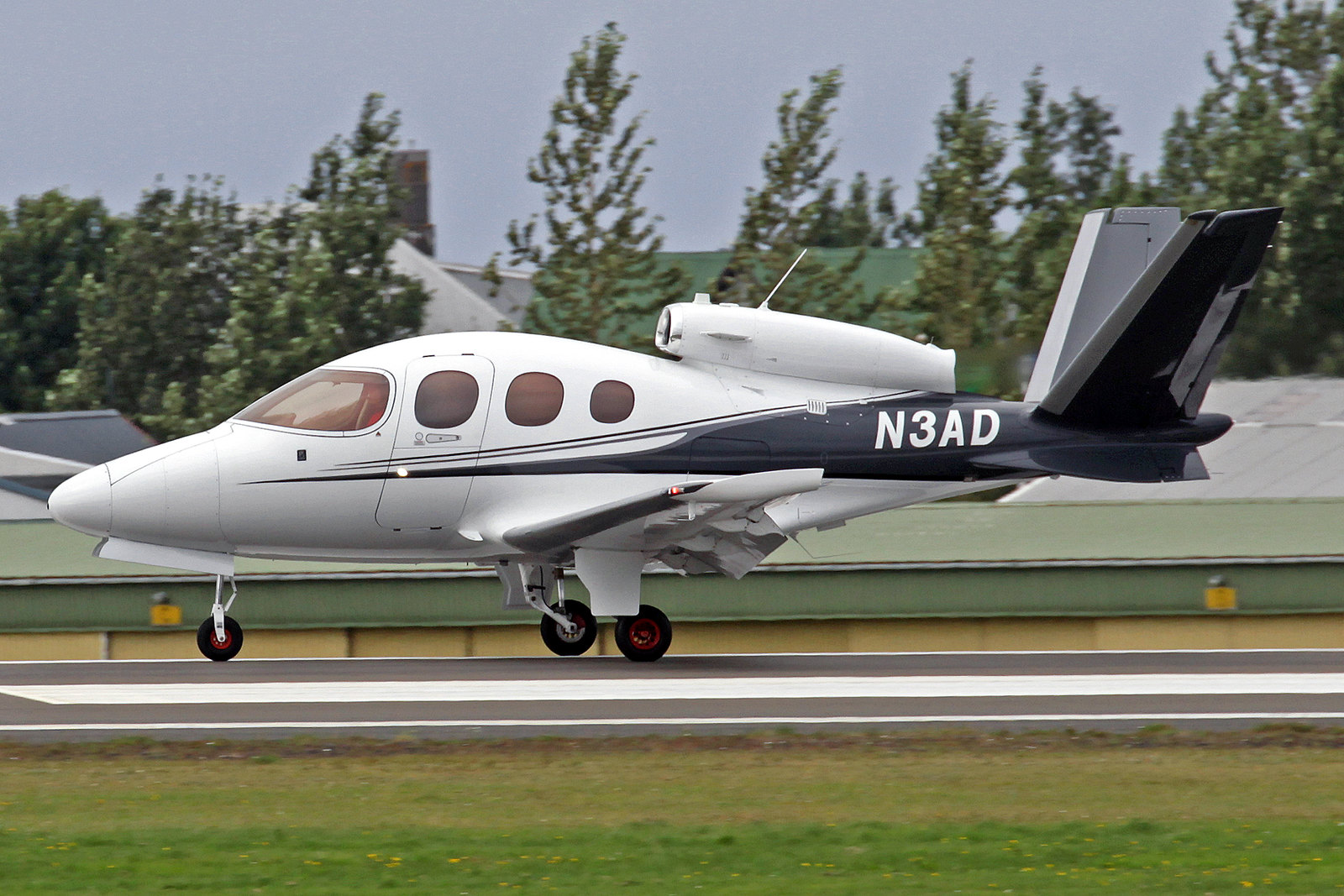 Aircraft Guaranty Corp. Trustee Cirrus SF-50 N3AD, RKV, 10. August 2020
