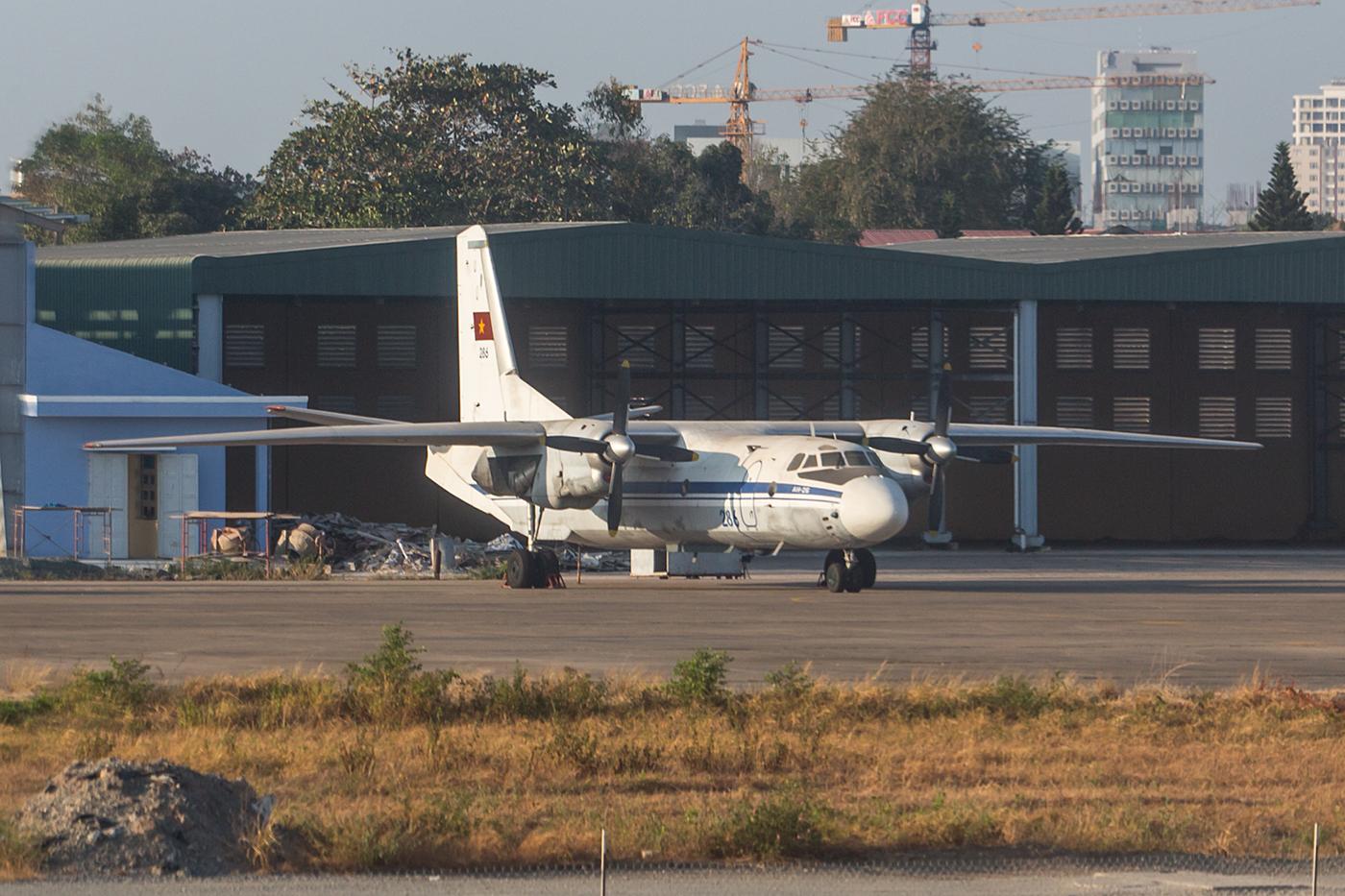 Eine der alten AN-26.