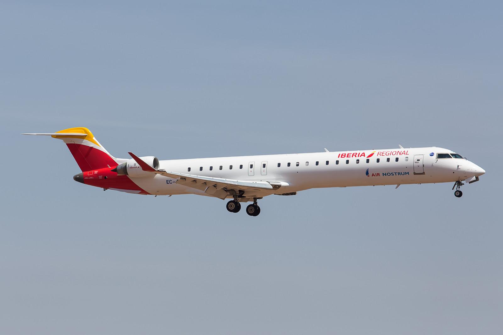 Noch so ein Fall, Iberias Regionaltochter Air Nostrum mit neuen Farben auf einem Canadair CRJ 900.