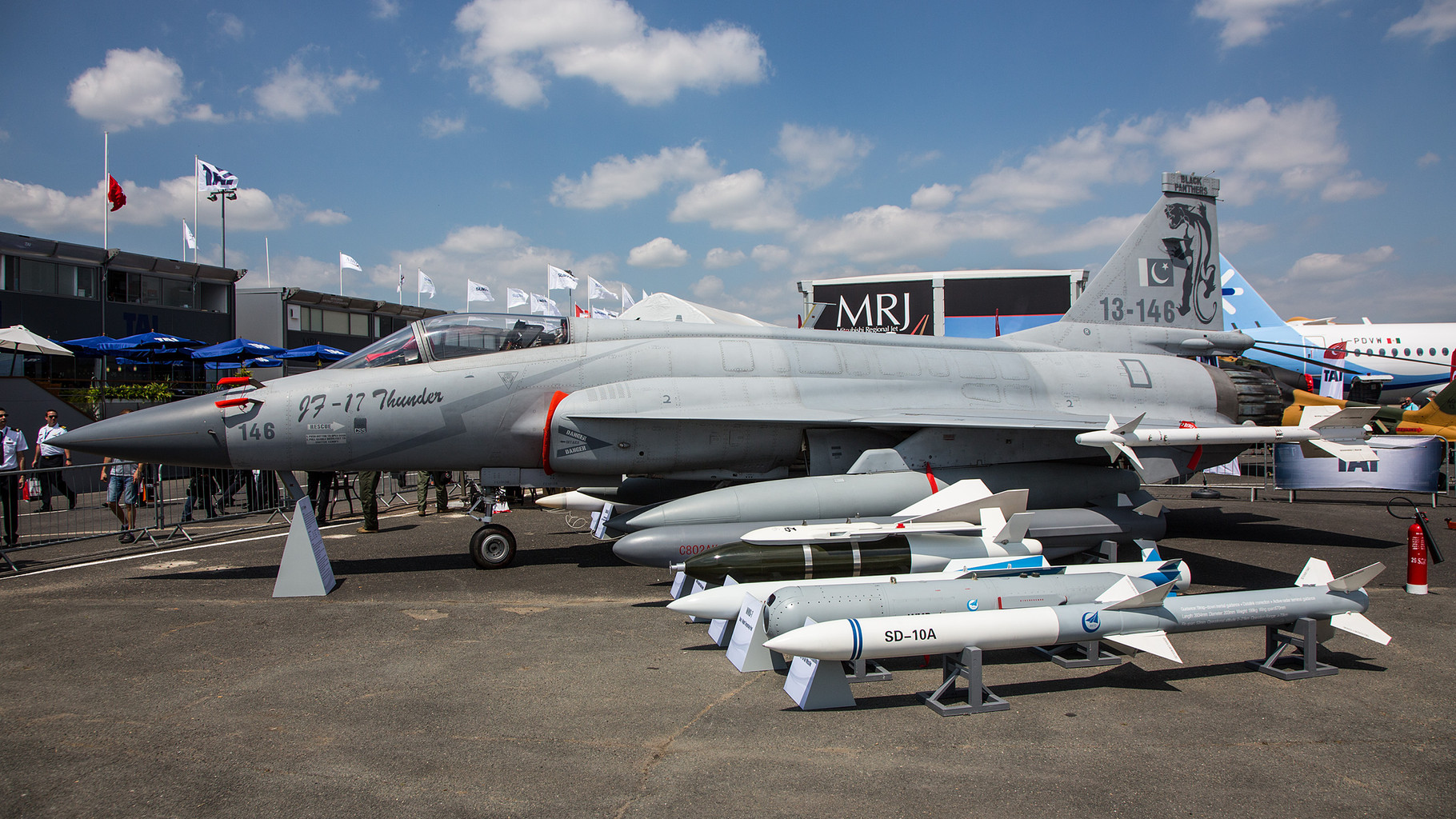 13-146, die Chengdu JF-17 Thunder im Static Display