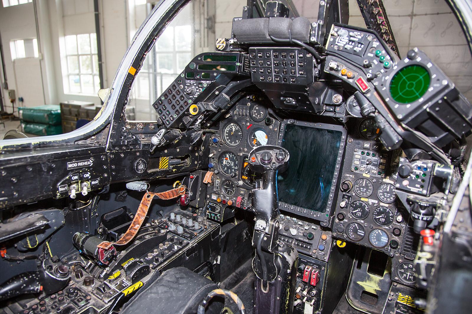 Das Cockpit des Jaguar Gr.3A