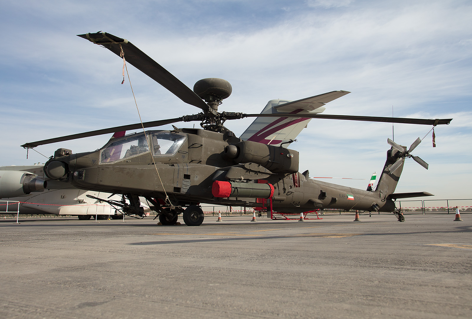 Ein AH-64 Longbow II im Static Display.