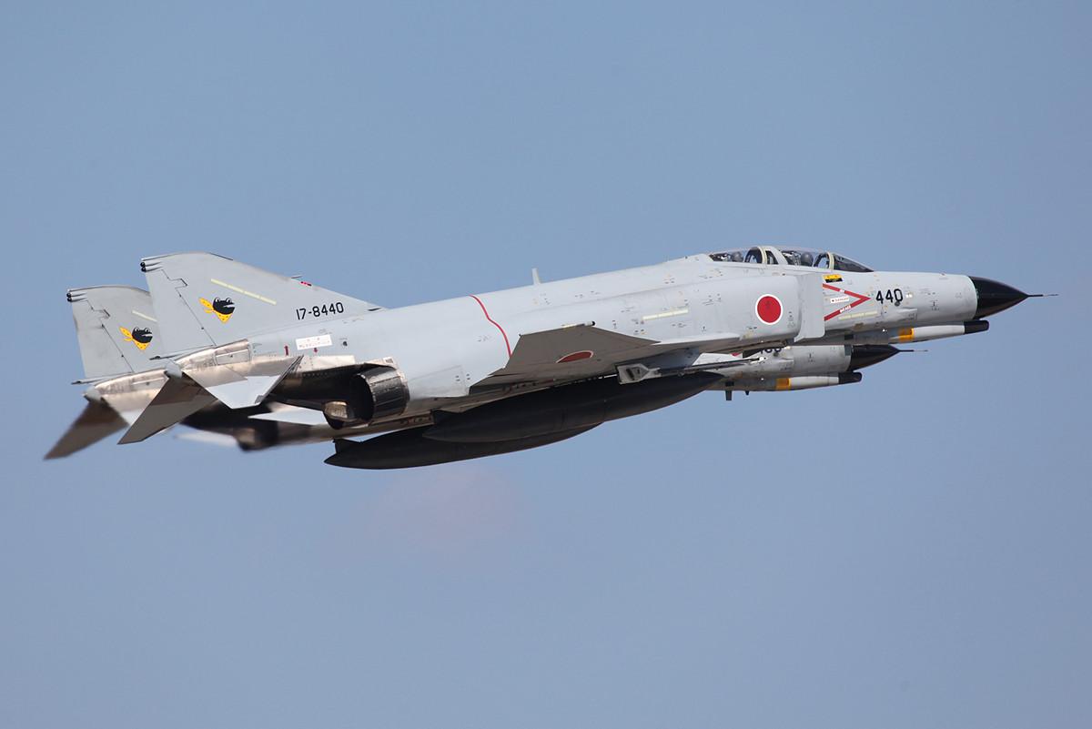 Sehr enge Formation von zwei F-4EJ