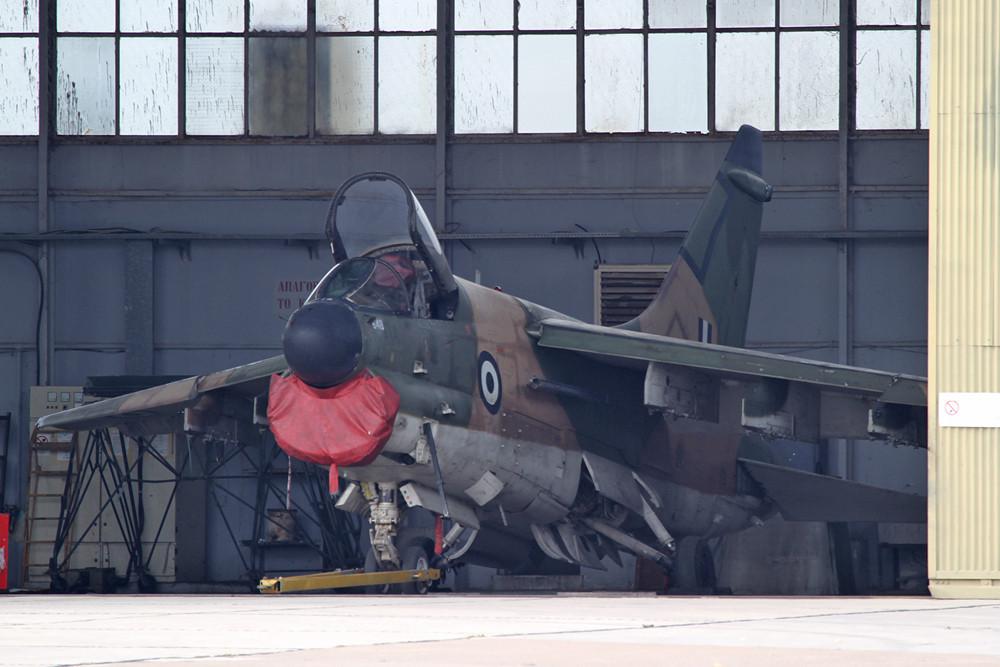 Mal kurz in den Hangar gehalten.