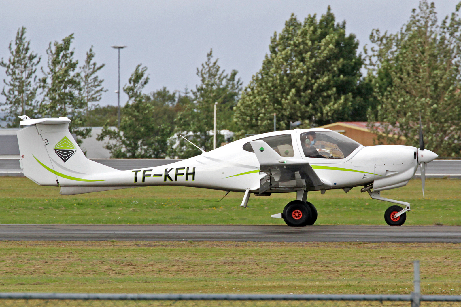 Keilir Aviation Academy Diamond Aircraft DA-40NG TF-KFH, RKV, 10. August 2020