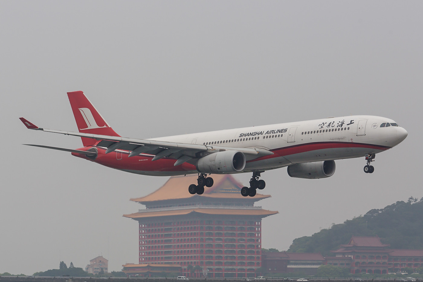 A 330 der Shanghai Air.