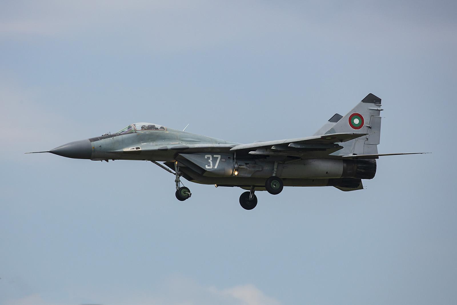 Die MiG am Trainingstag bei der Landung.