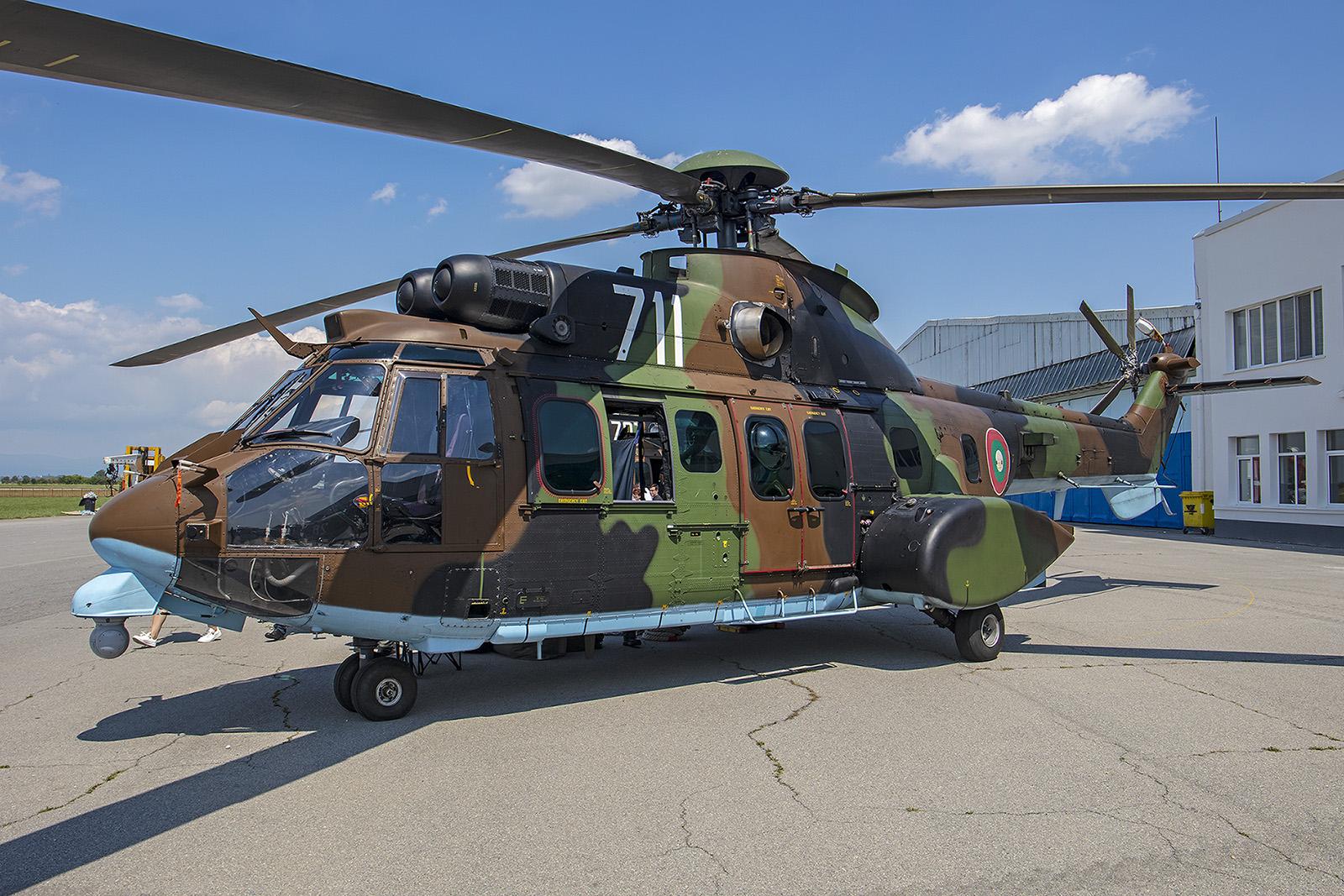 """Die """"711"""" hatte sogar schon mal einen Auftritt in Hollywood. Der Hubschrauber war im Film """"The Expandables II"""" zu sehen."""