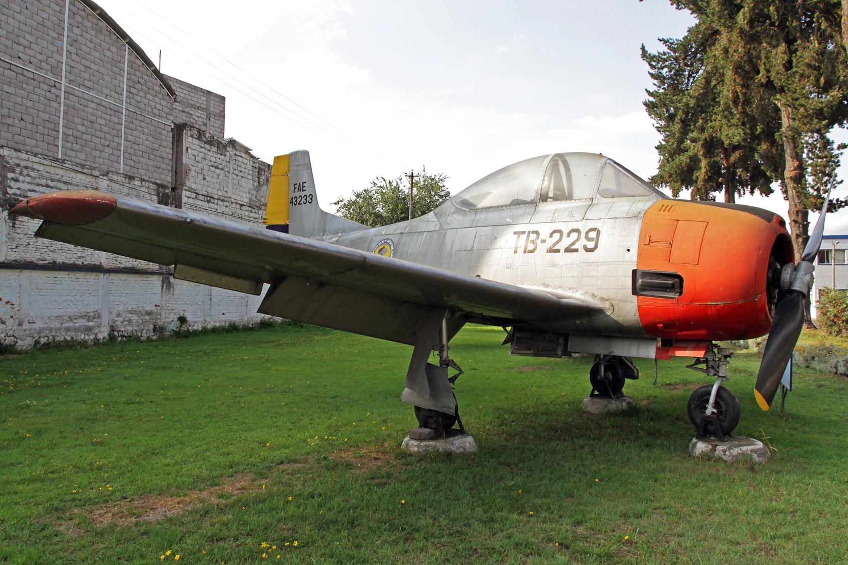 Fuerza Aérea Ecuatoriana North American T-28D Trojan FAE-43233