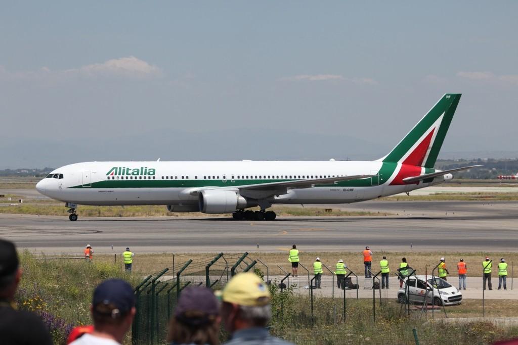 Hier kommen die Italiener mit einer Boeing 767-300 der Alitalia.