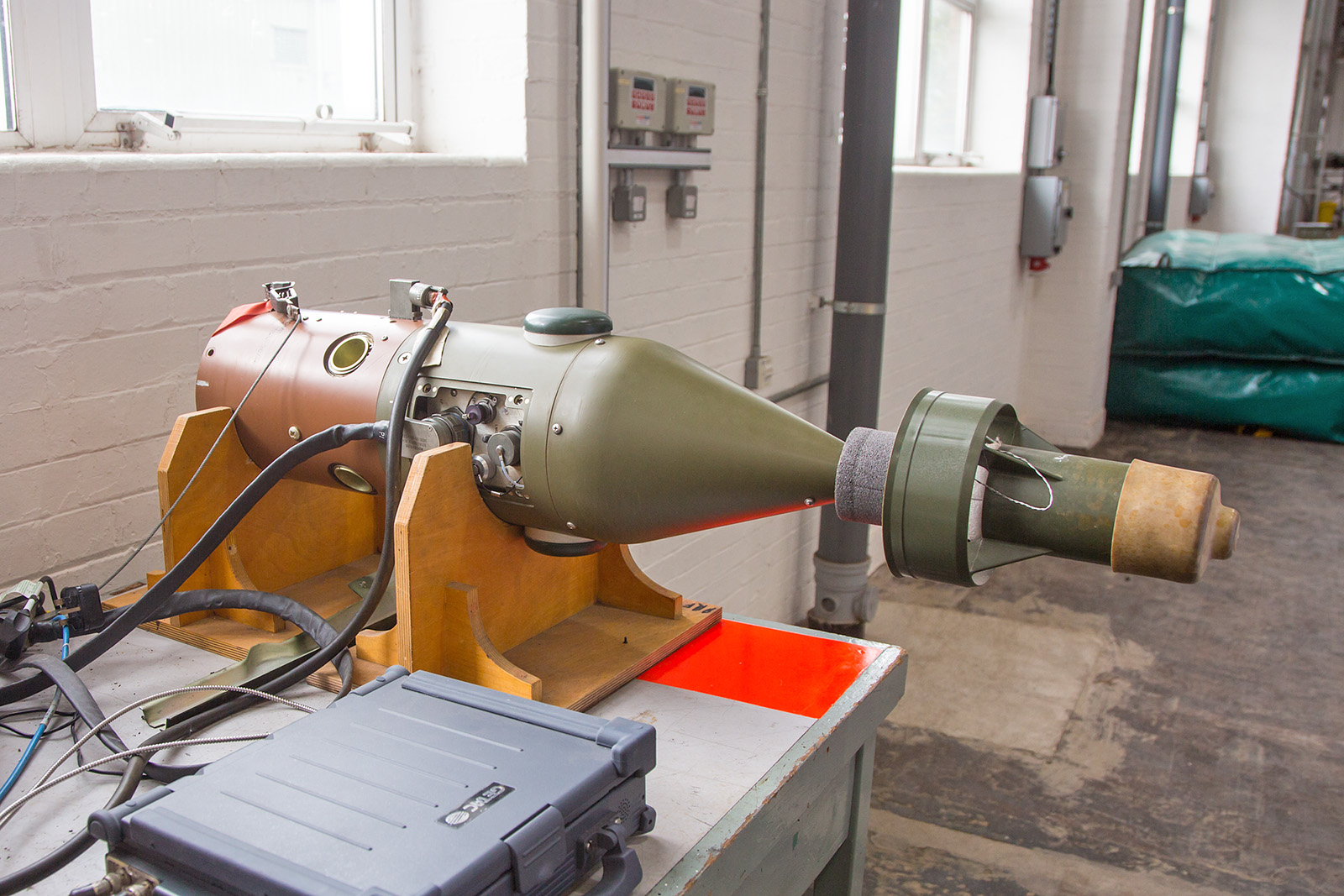 Übungskopf einer GPS- bzw. lasergelenkten Bombe