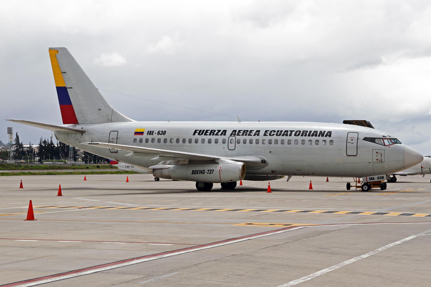 Fuerza Aérea Ecuatoriana Boeing 737-236Adv FAE-630 - Bei dieser Maschine handelt es sich um die ehemalige G-BGDI der British Airways und LV-ZIE der Aerolineas Argentinas.